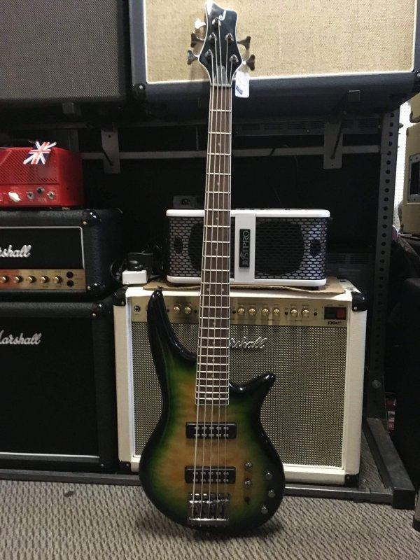 Jackson JS3Q Spectra 5-string bass